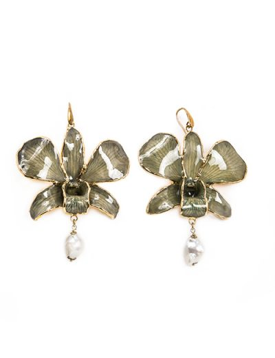 Ceramic Green Orchid Shape Earrings With Pearl