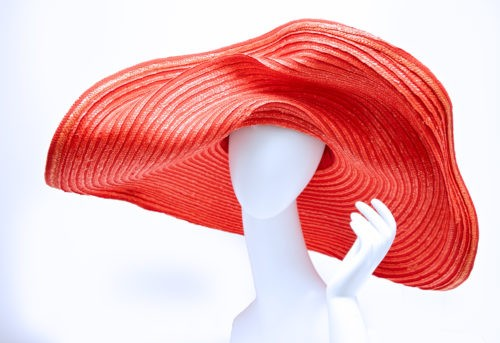 Marilyn hats, Oversized hat in stitched straw grosgrain hand-modeled sun hat red