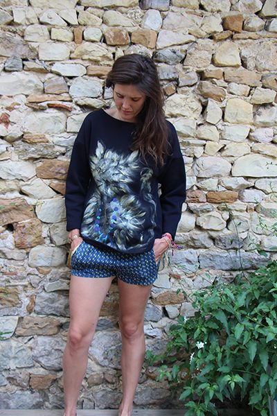 Marilyn France Loup-Maison original Hand painted 100 % Cotton Sweatshirts