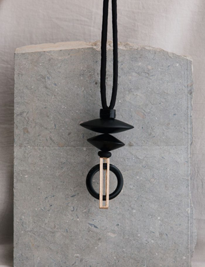 Marilyn's Spanish Stone and Metallic Necklace CL2